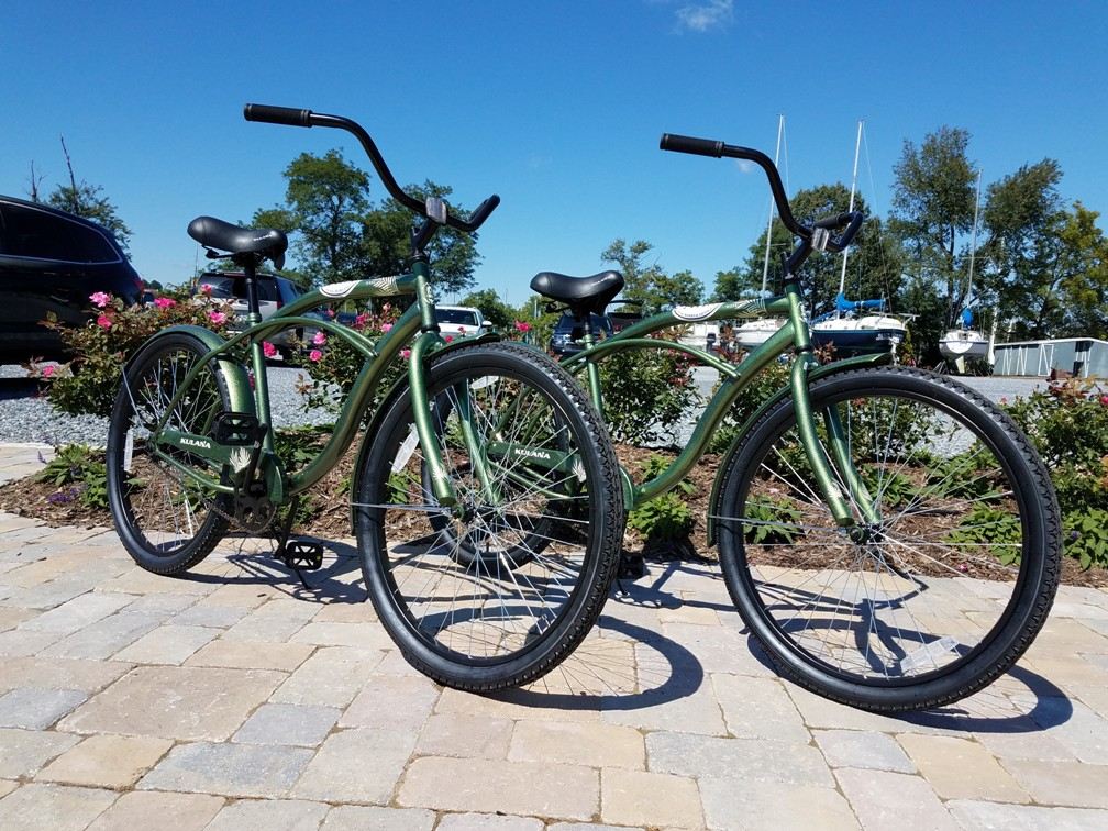 Shipwright Harbor Marina offers complimentary bikes and kayaks for guests.